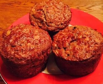 Healthy Oatmeal and Berry Muffins