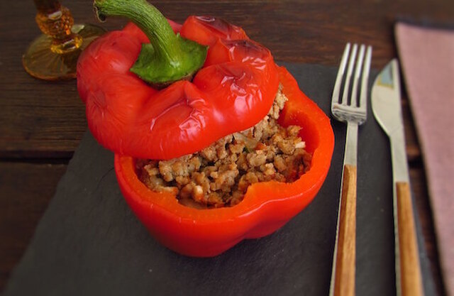 Stuffed peppers with minced meat in the oven | Food From Portugal