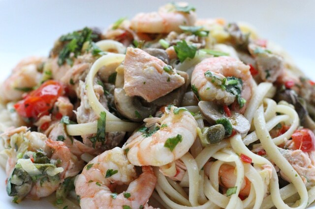 Salmon and Prawn Linguine with chilli, coriander and spiralized courgette