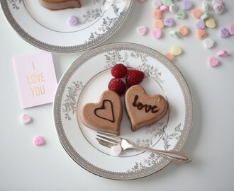 A heart-shaped Chocolate Mousse, 4 Valentine's Day