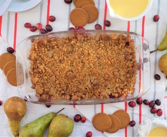 Pear, Cranberry and Gingernut Biscuit Crumble.