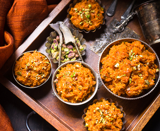 Gajar Ka Halwa ( Carrot Pudding )