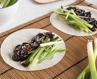 Vegetarian Chinese pancakes with homemade hoisin sauce