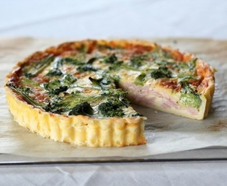 Lunchbox Bakes – Ham, Cheese and Broccoli Quiche