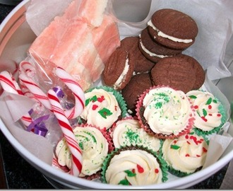 Christmas Goodies: Coconut Ice and Chocolate Peppermint Shortbread