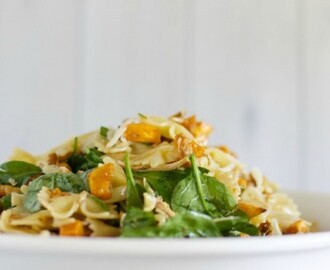 Maple pumpkin and walnut pasta salad with chicken