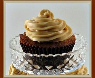 Salted Caramel Cupcakes and Salted Caramel Sauce & Frosting