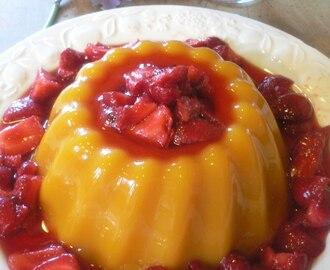 Mango Pudding with Cinnamon and Clove Strawberries