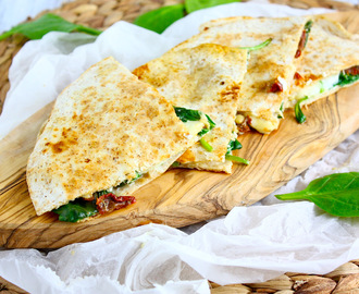 Quesadillas met geitenkaas en spinazie