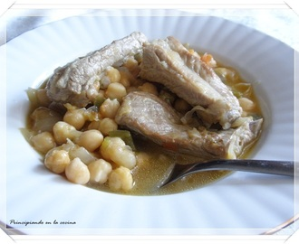 Guiso de garbanzos con costillas