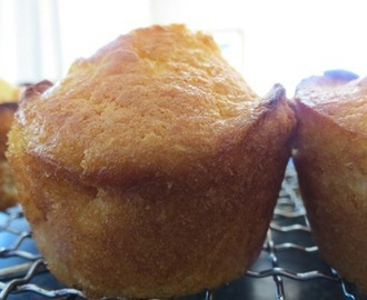 Lemon muffins with crunchy lemon sugar topping