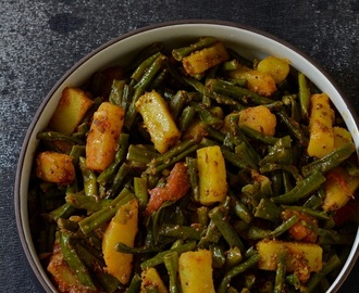 Lobhia Phali Aloo Sabzi,Long Beans Potato Curry