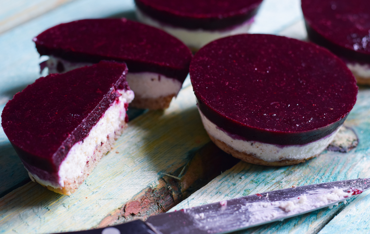 Low Carb Blueberry Cheesecake Törtchen