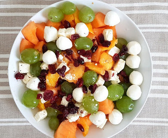 Salade, melon, nectarines et raisins blanc (Melon, nectarines and white grapes salad)