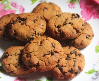 Low Fat Chocolate Chip Cookies Recipe - Eggless Healthy Chocolate Chip Cookies Recipe