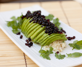 "Avocado Crab Roll with Soy Sauce ""Caviar"""
