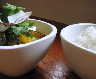 thai yellow curry with pumpkin, tofu and spinach recipe