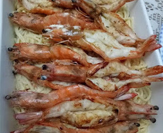 Creamy Garlic Noodles With Grilled Shrimps