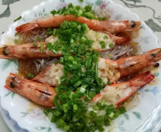 Steamed Shrimps With Garlic