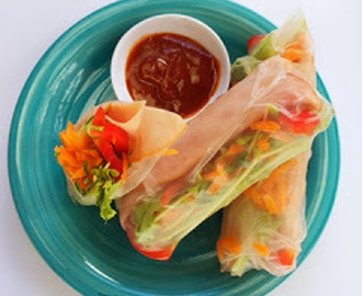 Review + Giveaway: D'Orsogna Honey Leg Ham & Salad Rice Paper Rolls