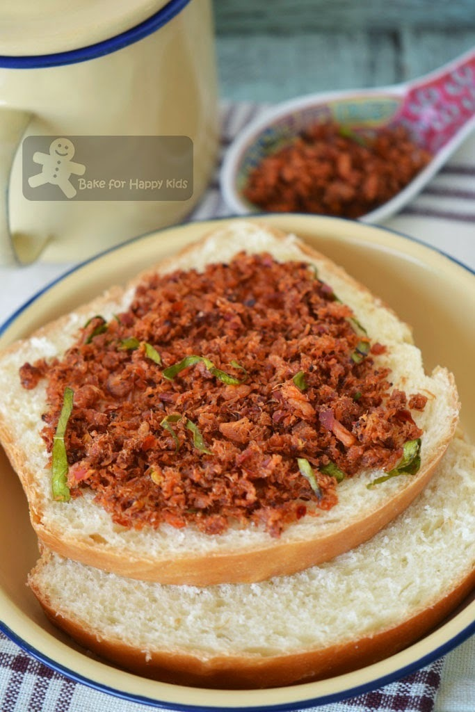 Kaffir Lime Dried Prawn Sambal / Hei Bee Hiam Served with Enriched White Loaf