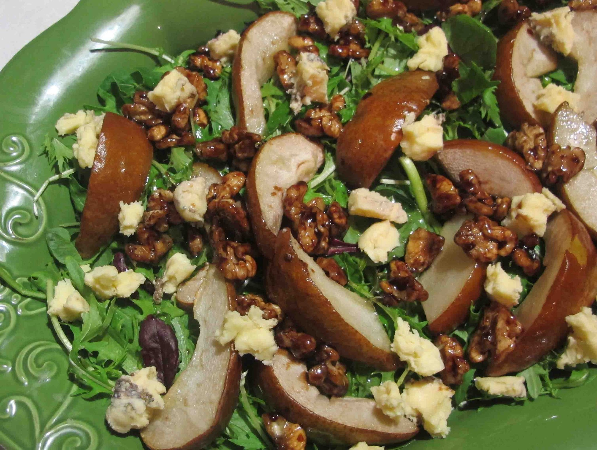 Pear, gorgonzola and sticky walnut salad
