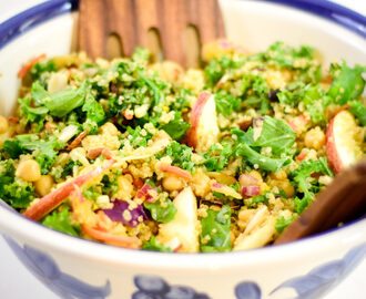 Curried quinoa and kale salad with apples, raisins and almonds