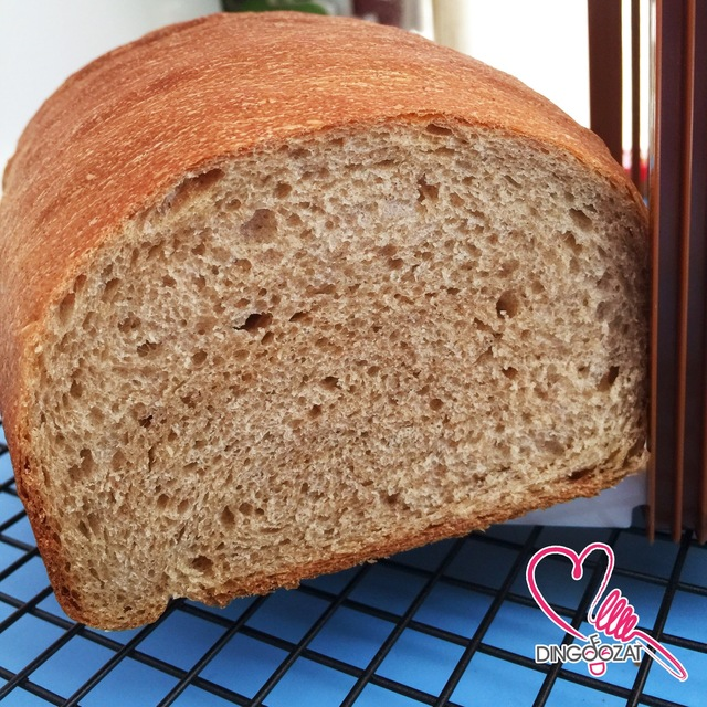 Wholewheat/ Wholemeal Bread That Stay Soft For Days 不会变硬的全麦面包