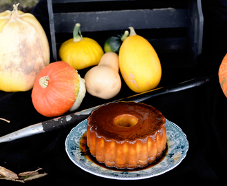 Pumpkin and coconut caramel flan for the 2016 Virtual Pumpkin Party / Pudim de Abóbora e coco para a Festa Virtual da Abóbora  de 2016.
