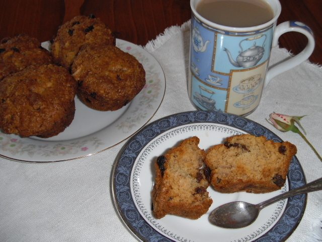 Feijoa and Sultana Muffins