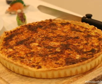 Leek and onion tart with blue cheese