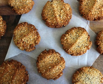 honey sweetened almond anzac biscuits