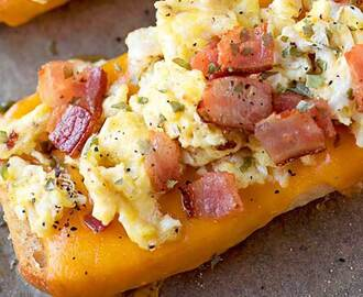 Bacon, Egg, and Cheese Breakfast Boats