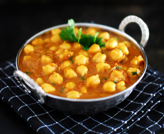 Easy Chana Masala (Chickpea Curry)