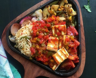 Paneer Sizzler in Chilli Garlic Sauce | How to make Sizzler at home | Tips and Tricks to make Sizzler at Home