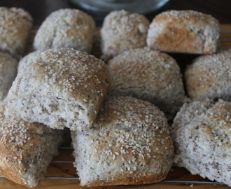 Gluten Free Bread Rolls with Sesame Seeds & Chia!