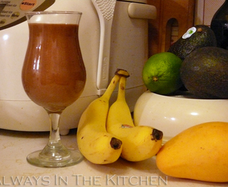 Dairy-Free Breakfast Smoothie: Choco-Banana Peanut Butter