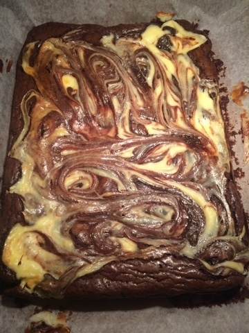 Brownie cheesecake swirl