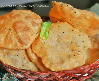 Spiced Poori studded with Nigella seeds /  Kalonji ki Masala Poori