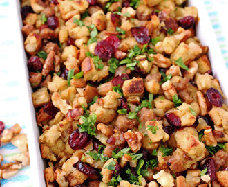 Dried Cranberry & Nut Thanksgiving Stuffing