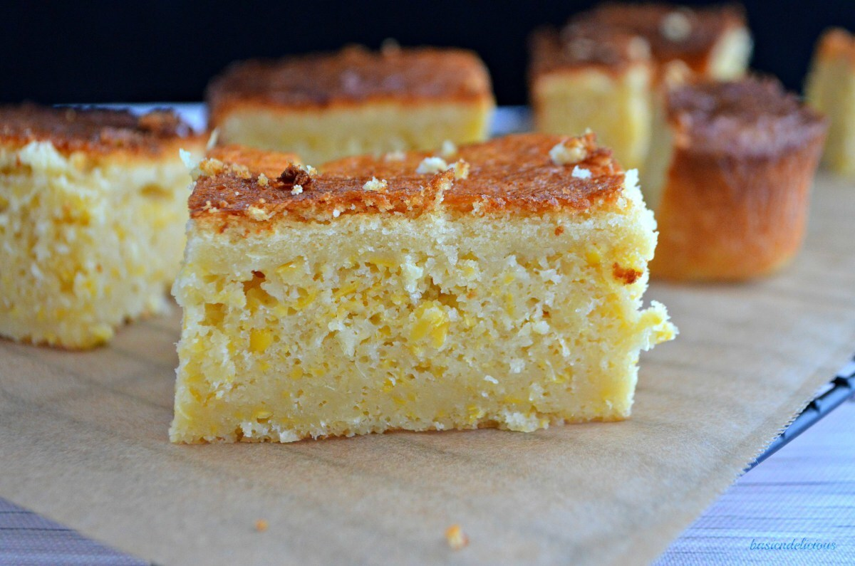 Sweet and Cheesy Corn Bread #SundaySupper