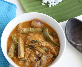 Nethili Karuvadu Kuzhambu | Dry Anchovies Curry with Veggies