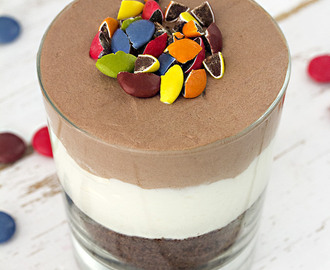Vasitos de chocolate y mousse con mascarpone