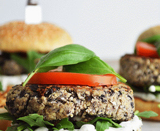 Black Beans and Couscous Burger