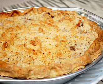 Apple Pie with Walnut Crumb Topping