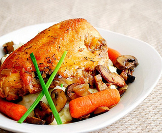 Slow Cooked Chicken with White Wine Mushroom Sauce