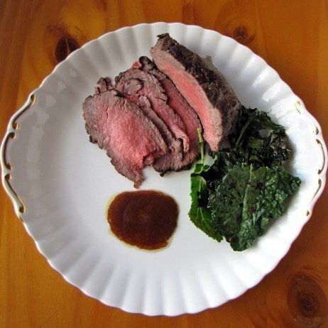 Rare roast beef with crispy kale chips