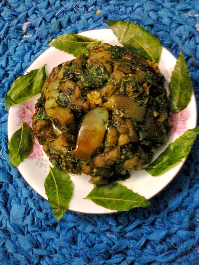 Neem Leaves With Eggplant / Bengali Neem Begun Bhaja