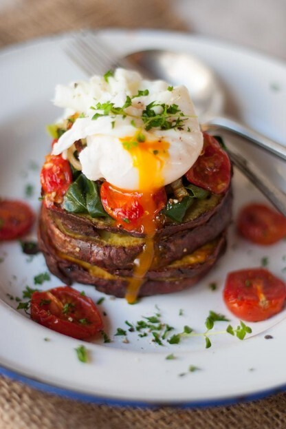 Christmas breakfast – egg and veggie stack
