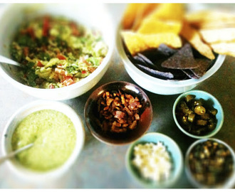 Yucatecan Guacamole with all the Trimmings